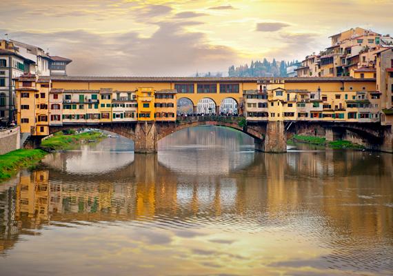 Az egyik második helyezett a festői olasz város, Firenze. A képen híres hídja, a Ponte Vecchio látható.