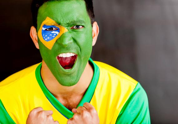 A top 10-es listán a brazilok szerepelnek az utolsó helyen, akik a megkérdezettek jelentős része szerint viselkednek igen illetlenül, neveletlenül turistaként.