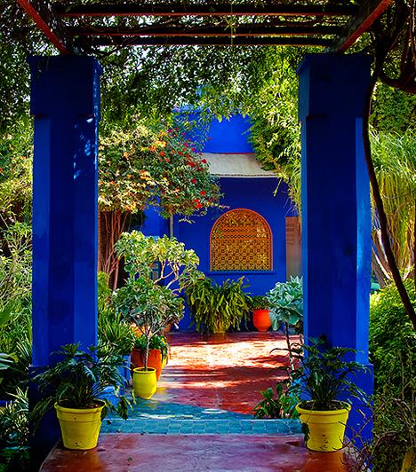 La Majorelle, MarokkóA Marrakesh-ben található Majorelle-kertet 1924-ben tervezte meg a francia művész, Jacques Majorelle. A kert egzotikus növényeivel és több mint 15 különleges madárfajával valódi kis sziget, intenzív színeinek és épületeinek köszönhetően pedig igazi mestermunka. A kert 2008-ig Yves Saint Laurent tulajdona volt - halála után hamvait is itt szórták szét.