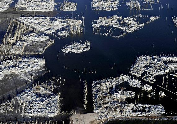 A település nagyobb részét ma is víz borítja, viszont egyes területei bejárhatóak.