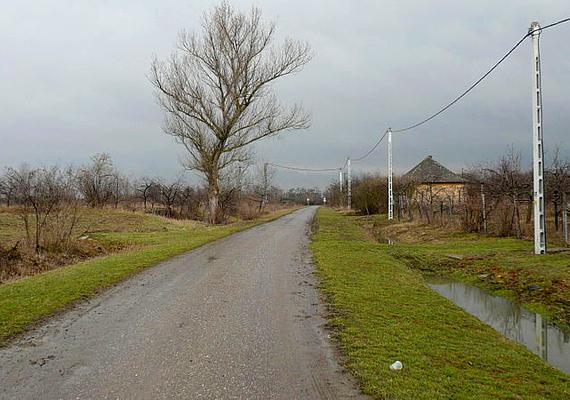 A magyarországi Nagygécen 1970. május 14-én szinte percek alatt mindent elborított az árvíz, a lakókat kitelepítették, azonban felsőbb utasításra az ár elvonulása után sem engedték vissza őket. Nagygéc ma hivatalosan már nem is létezik.