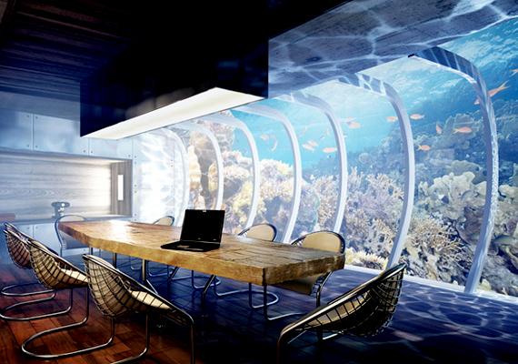 Ha veszélyhelyzet áll elő, a víz alatti rész képes felemelkedni a felszínre.