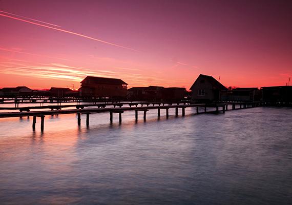 És a már említett Bokodi-tó házai. Ha még több képet néznél meg róluk, kattints ide!