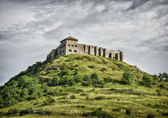 Hangulatos fotó a sümegi várról. A készítő Kontár Csaba Attila volt. A nemzeti pályázat díjkiosztójára december 6-án kerül sor az MNV Zrt. székházában.