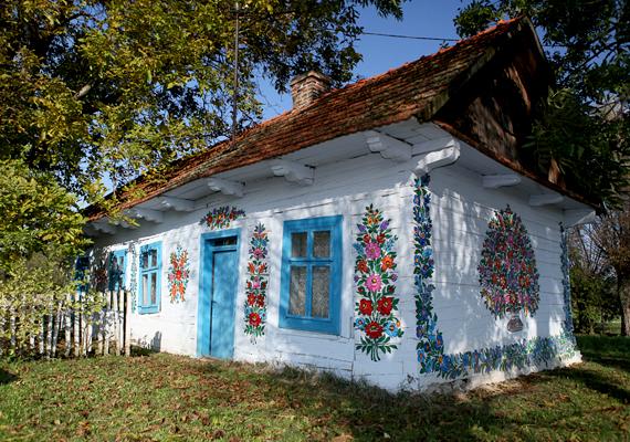 Egyszerű kis ház, mégis gyönyörű.