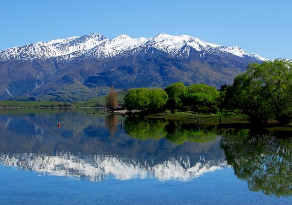 Az egykori Zealandia ma felszínen maradt, legnagyobb részét a csodálatos és vadregényes tájairól ismert Új-Zéland jelenti. Lakosságának legnagyobb része is ide összpontosul.