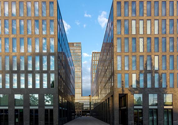 A város másik arcát jelentő üzleti épületek Zürichben. A svájci településnek a banki szolgáltatások és a pénzügyek tekintetében nemzetközileg is központi szerepe van.
