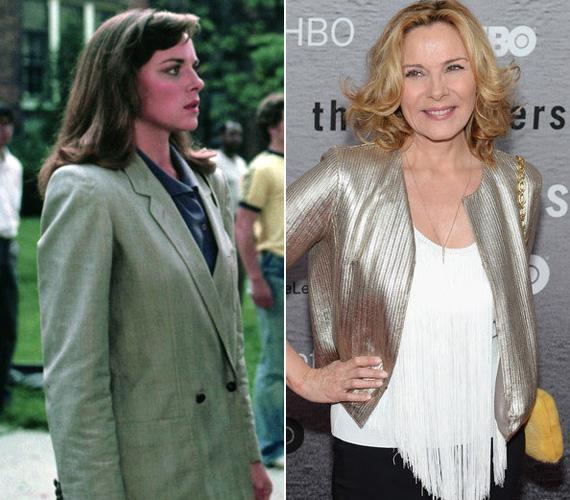 Talán sokan nem is emlékeznek rá, de Kim Cattrall játszotta az 1984-es Rendőrakadémia bájos rendőrnőjét. A színésznő később a Szex és New York szexi Samanthájaként új alapokra helyezte a dögös nő kifejezést.