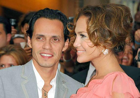Hét év házasság után Jennifer Lopez és Marc Anthony a válás mellett döntöttek, derült ki 2011. július 15-én, a People-nek adott közös nyilatkozatukból.