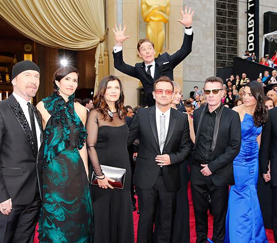 Az Oscar legmókásabb photobombja Sherlock megformálójának, Benedict Cumberbatchnak köszönhető, aki egyszerre hat sztár komoly fotóját tette tönkre kissé ijedt hadonászásával.
