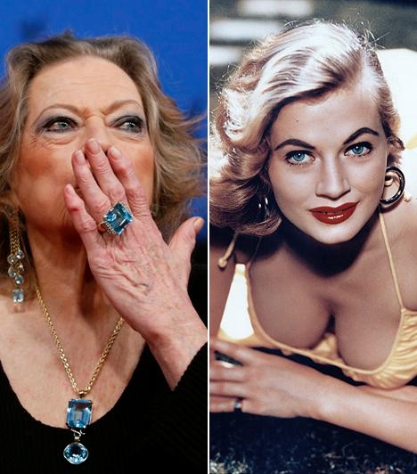 Anita Ekberg  2015. január 11-én szomorú hír érkezett: egy római kórházban, 83 éves korában elhunyt Fellini Édes élet című filmjének gyönyörű színésznője, Anita Ekberg. A díva több betegségben is szenvedett, ám állapota nem tűnt súlyosnak, így mindenkit megrázott váratlan halála. Ekberg játszott a Háború és békében Audrey Hepburn és Henry Fonda mellett, valamint a Két pár texasi című filmben, melyben Frank Sinatra is szerepelt.  Kapcsolódó képgaléria: Képeken a '60-as évek szexszimbólumai