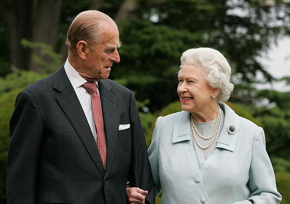 Nem csoda, hogy Anglia királyi párja, Erzsébet királynő és Fülöp herceg is felkerült a dobogóra, még ha csak annak harmadik fokára is.