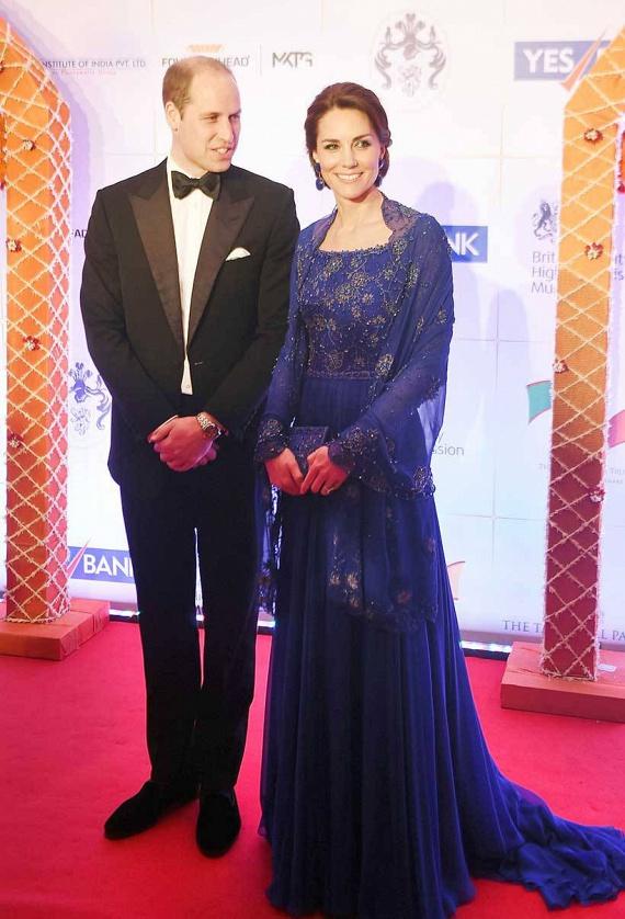 Katalin hercegné és Vilmos herceg Indiába és Bhutánba látogattak el, ahol találkoztak a közel-keleti országok vezetőivel is. A kis György és Charlotte ezúttal otthon maradtak.