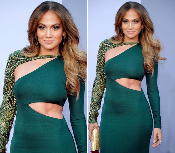 A héten rendezett BAFTA Brits to Watch gála igazi sztárparádé volt, Jennifer Lopez például szűk, hasított ruhában vonta magára a figyelmet.