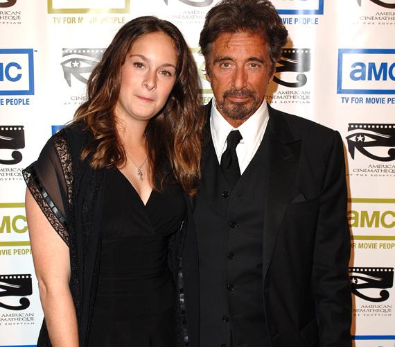Al Pacino lánya már 21 éves, Olivia Rose igazi barna szépséggé cseperedett az évek során.