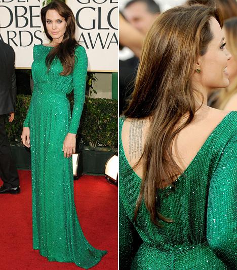 Angelina JolieAngelina Jolie általában előnyben szokta részesíteni a sötétebb ruhadarabokat a vörös szőnyegen. Ám ezúttal egy lélegzetelállítóan gyönyörű, smaragdzöld Atelier Versace estélyi mellett tette le a voksát. A bűbájos színésznőt egyébként jelölték a 68. Golden Globe díjára Az utazóban nyújtott alakításáért, de végül Annette Benning vitte haza a legjobb vígjátéki színésznőnek járó szobrot.Kapcsolódó képgaléria:A legszexisebb sztárok tündöklő zöldben »