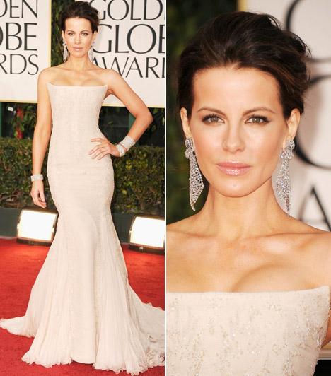 Kate BeckinsaleAz angol szépség Roberto Cavallinál választotta mesés estélyijét, mely akár menyasszonyi ruhának is megtenné.