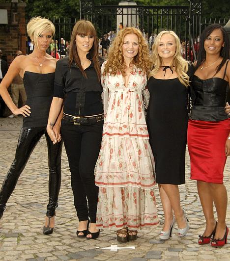 Spice Girls - 2007 óta  A retróhullám az időközben anyukává avanzsált bandatagoknak is kedvezett, ezért 2007-ben újra összeálltak.