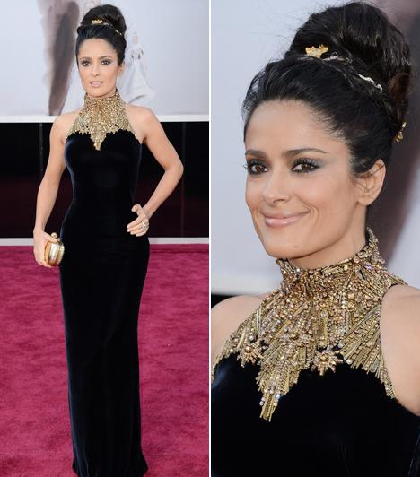 Salma Hayek                         A 46 éves színésznő tőle szokatlan módon egy visszafogott, dekoltázs nélküli ruhát választott, ami kiemelte tökéletes alakját.