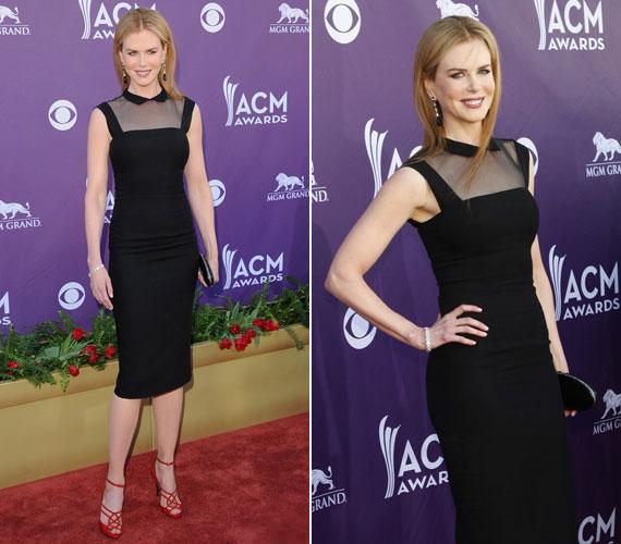 A 44 éves színésznő elegáns ruhája és gyönyörű vörös magassarkúja is L´Wren Scott kreáció.