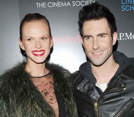 Adam Levine 2010 szeptemberében árulta el, hogy már nyolc hónapja együtt van a világhírű orosz szupermodellel.