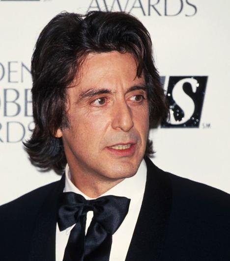 Golden Globe-díjakAz Egy asszony illatáért 1993-ban második Golden Globe-díját vehette át. Az elismerést először 1973-ban a Serpicóért kapta.