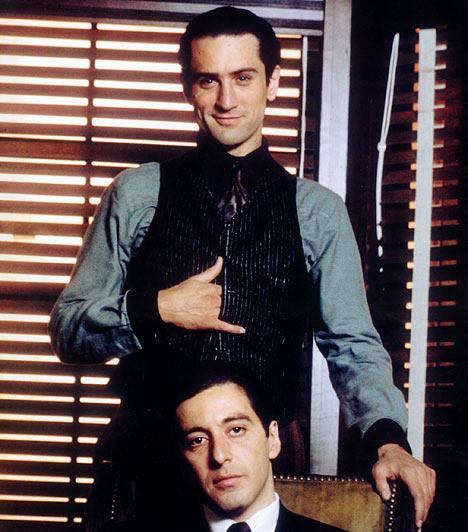 Robert De NiróvalAl Pacino Robert De Niróval 1974-ben A Keresztapa második részének forgatásán. A két színészlegenda ezt a filmet követően két alkalommal szerepelt még együtt a vásznon.