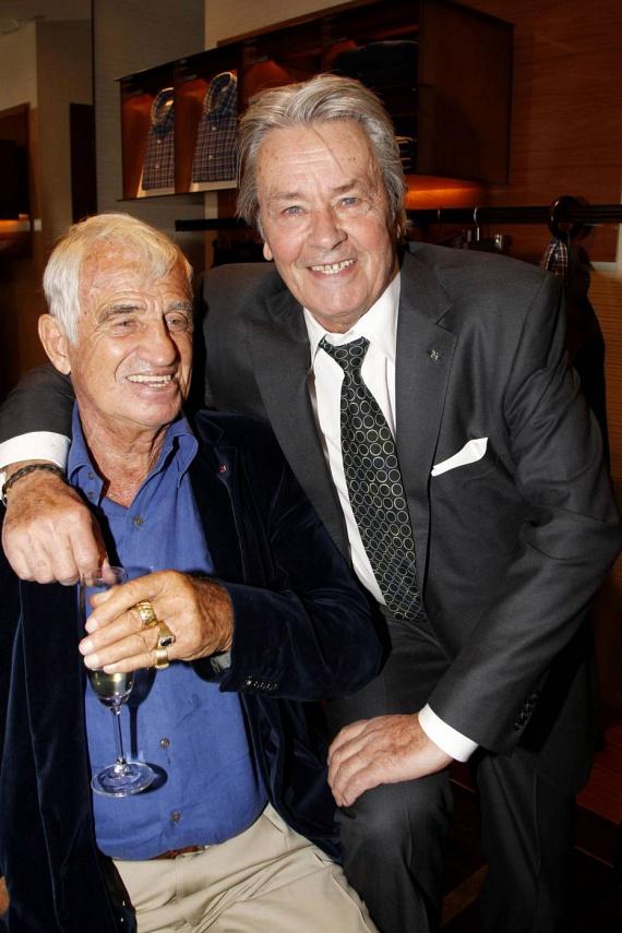 Alain Delon és Jean-Paul Belmondo nagyon jól érezték magukat egymás társaságában: egész este viccelődtek és nevetgéltek.