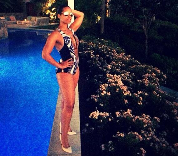 Alicia Keys a nőiesen kerek nőket képviseli.