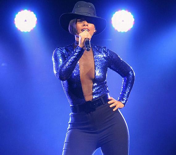 Nemcsak a magánéletben, de a zenében is egyre jobban megtalálja saját útját a híresség.