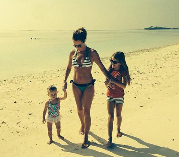 Amanda Holden alakján egyáltalán nem látszik, hogy két gyermeket szült.