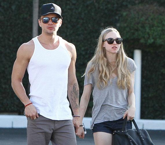 Ryan és Amanda kapcsolatának nem tett jót, hogy kiderült, a színésznek gyereke születik egy másik nőtől.