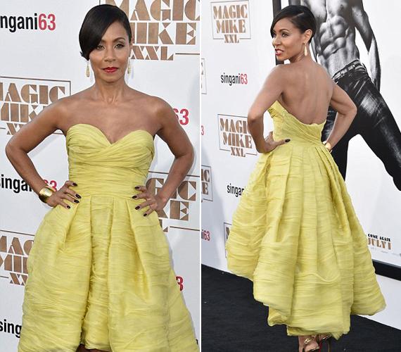 A 43 éves Jada Pinkett-Smith hihetetlenül jól festett ebben a sárga, hátrafelé hosszabbodó ruhában. A színésznő ruhája elöl és hátul is kivágott volt.