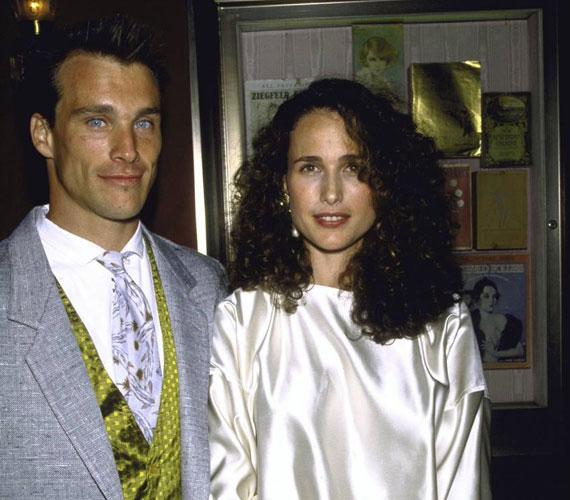 Andie MacDowell 1986 és 1999 között Paul Qualley modell felesége volt, akitől három gyermeke született.