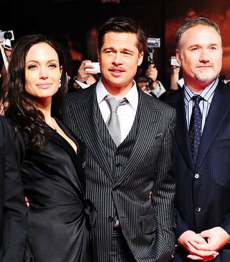 David Fincherrel  Ahová tudja, elkíséri kedvesét, Brad Pittet. 2009 januárjában, a Benjamin Button különös életének japán premierjén is együtt pózoltak a fotósoknak a film rendezője, David Fincher társaságában.