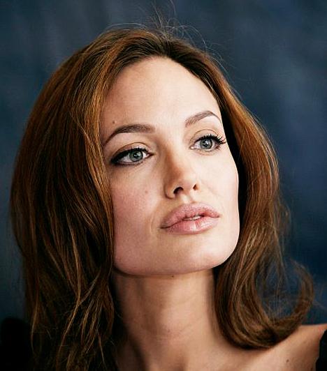 Édesanyjára hasonlít  Ahogy komolyodik Jolie, egyre inkább hasonlít rákban elhunyt édesanyjára, Marcheline Bertrandra, akiről ikerkislányát is elnevezte.