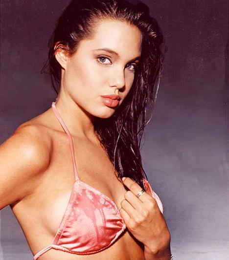 16 évesen  16 évesen pózolt először egy fényképész lencséje előtt - rögtön bikiniben és alsóneműben fotózták.  Kapcsolódó címke: Angelina Jolie »