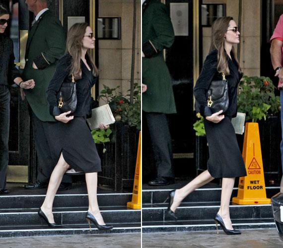 Az eleganciával mindenesetre nem volt gond, fekete kosztümje ugyanis nagyon jól állt rajta.
