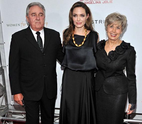 Úgy tűnik, Brad Pitt szülei is odavannak a színésznőért.