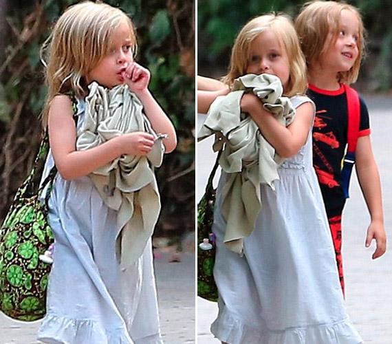 Az ikrek, Vivienne és Knox hirtelen hatalmasat nőttek, már ötévesek.