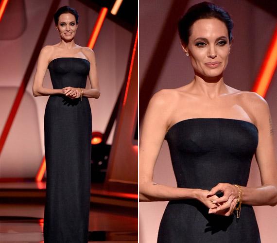 Angelina Jolie mint díjátadó jelent meg az eseményen, és bár ruhája igen egyszerű volt, minden szem rászegeződött.
