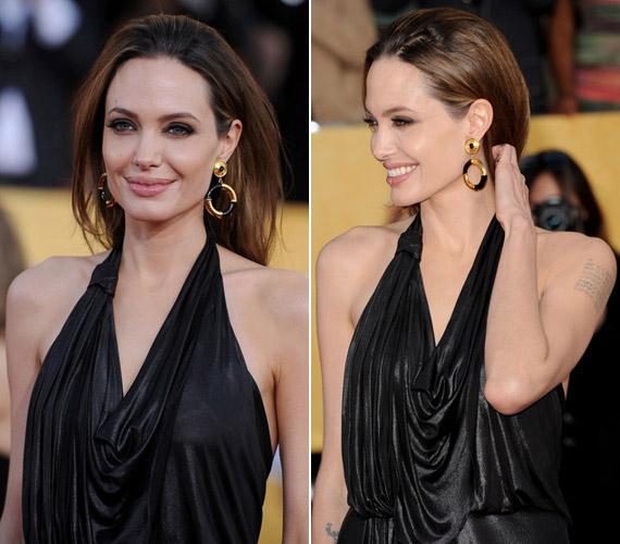 Angelina Jolie fittyet hány az alakját kritizálókra, szemmel láthatóan jól érzi magát a bőrében.