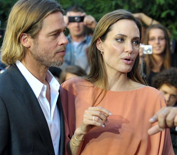A hírek szerint a Jolie-Pitt sztárpár és a hat csemetéjük Angliában, cornwalli birtokukon töltik majd a nyár utolsó hónapját.