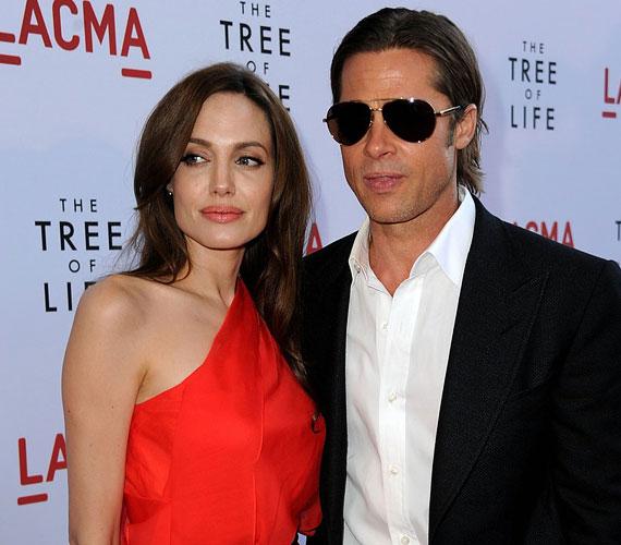 A költői szépségű filmben Brad Pitt alakítja az apát, Sean Penn pedig felnőtt fiát.