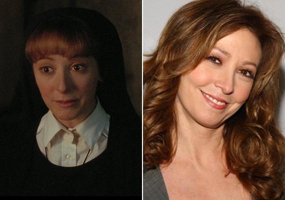 Ki hinné, hogy a Mary nővért játszó Wendy Makkena már 57 éves? A gyönyörű színésznő a film után inkább a szériákhoz pártolt át, rendszeresen feltűnik CSI-sorozatokban.