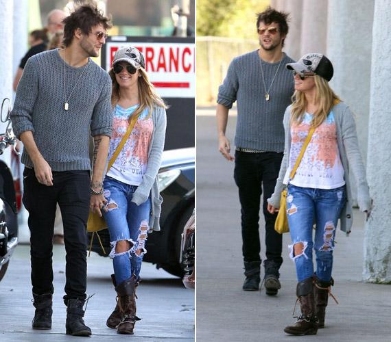 Ashley Tisdale új barátjával, Martin Johnsonnal sétálgatott a kaliforniai napsütésben.