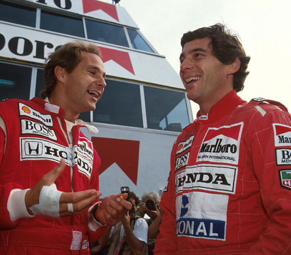 Legendás barátság fűzte Gerhard Berger Forma 1-es pilótához, akivel rendszeresen ugratták egymást. Egy alkalommal állítólag Berger kicserélte Senna útlevélfotóját egy férfi nemi szervet ábrázoló képre, ami miatt aztán Argentinában 24 órán keresztül nem engedték be az országba. Cserébe Senna a barátja összes hitelkártyáját egyetlen tömbbé ragasztotta össze.