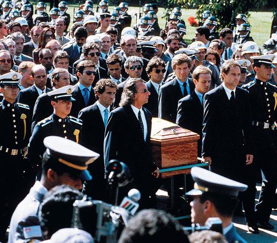 Halála után a versenyautójában találtak egy osztrák zászlót - a terve feltehetően az volt, hogy megnyeri a futamot és utána a zászlót a magasban lengetve emlékezik meg egy nappal korábban elhunyt versenyzőtársáról, Roland Ratzenbergről. Temetése bekerült minden idők legnagyobbjai közé: Brazília több napig gyászolta, a temetés napján 3 millió ember vonult végig vele utolsó útjára, a tévé is közvetítette.