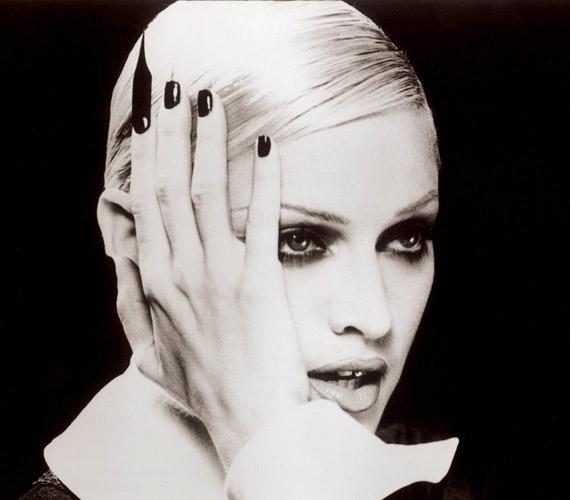 Madonna 1992-es dala, az Erotica klipje is csupán három alkalommal volt látható az MTV-n. Pedig a videóban olyan sztárok is feltűntek, mint Naomi Campbell és Isabella Rossellini.