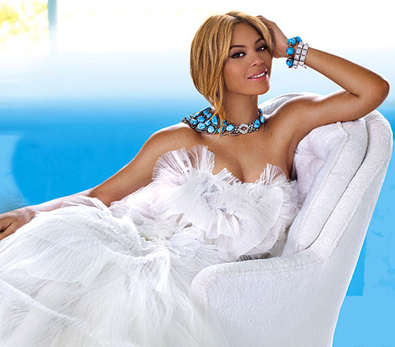 Beyoncé jött, látott és győzött: a People magazin olvasói szerint is jól áll neki az anyaság, hiszen őt választották a világ legszebb nőjének 2012-ben.